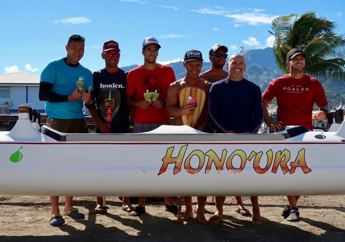 Backstage pass to Hawaiki Nui Va'a 2017 with Thomas Buton from Toulon Va'a club